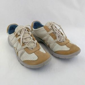 Privo Clarks Womens 7 Athletic Shoes Lace Up Beige